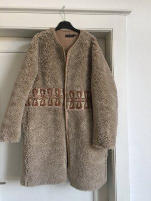 Ein Mantel von ANTIK BATIK