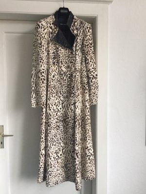Ein Mantel  von Giorgio Armani
