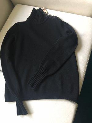 Ein Rollkragen-Pullover von BURBERRY