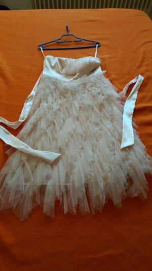 ein rosa chiffon Kleid von APART