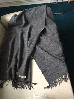 Ein Schal -Umhang von Burberry