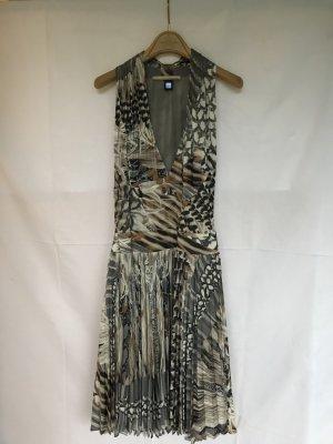 Ein schickes Kleid von CLASS Roberto Cavalli