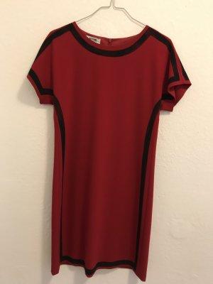 Ein schickes Kleid von Moschino in rot, neu,  nicht ungetragenes Kleid! AUSVERKAUF!!! LETZTE REDUZIERUNG!!!
