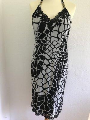 Ein schickes Kleid von Roberto Cavalli