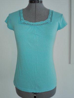 Ein schöne elastische Sommer T-Shirt,in baby blau Farbe aus Baumwolle .