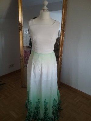ein schönes kleid in Größe 40