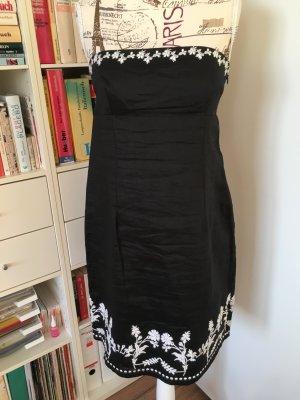 Ein schönes sommerliches Kleid aus Leinen