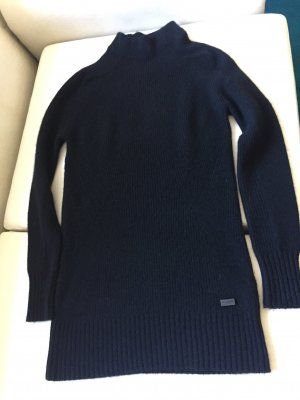 Ein schwarzer Pullover in Cashmere von BURBERRY