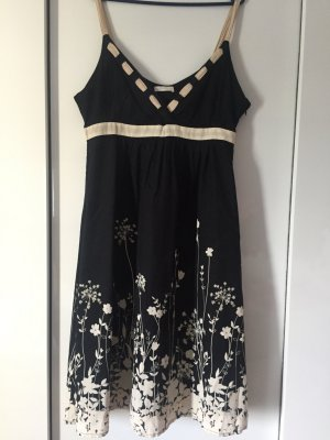 Ein sehr hübsches Kleid von Promod