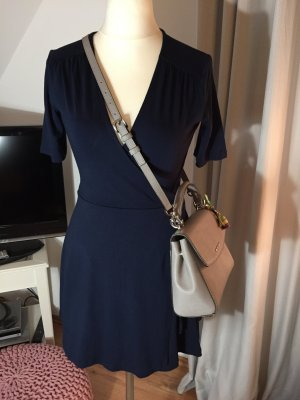 Ein sehr schönes Kleid von ASOS, Sehr wenig getragen. Gr 36.