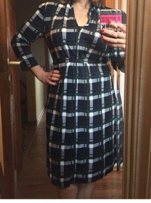 Ein sehr schönes und bequemste Kleid . French Connection .