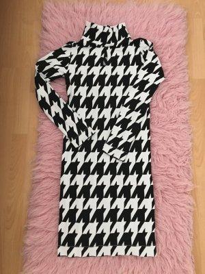 Ein sexy Kleid von EMILIO CAVALLINI