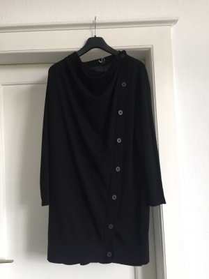 Ein Strickmantel -Kleid oder länger Pullover von COS