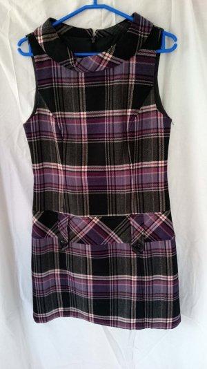 Ein süßes Karo Mini-Kleid von Hallhuber