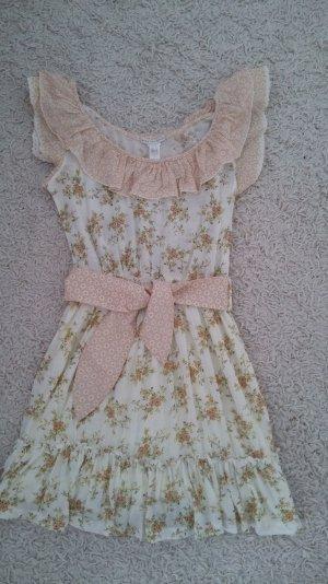 Ein süßes und romantisches Kleid von MANGO