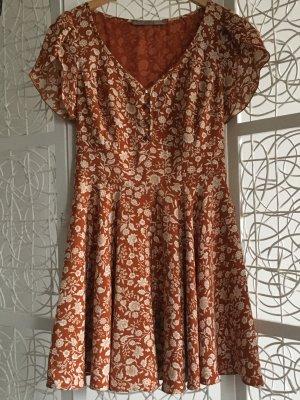 Ein super schönes Kleid von Guess im Hervorragenden Zustand