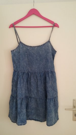 Ein tolles Kleid von TEZENIS-NEU