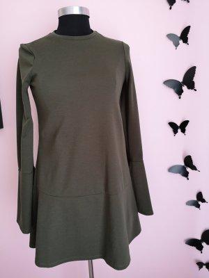 Ein Tolles Kleid von Zara neuwertig!!