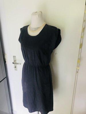 Ein tolles Sommerkleid mit tollen Schnitt Gr S neuwertig Viskose Wie jeden Anlass kombinierbar