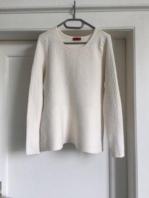 Ein weißer Pullover von HUGO