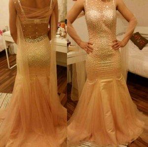 Ein wunderschönes Diamanten Kleid.