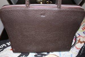 Eine Businesstasche der Marke Voi