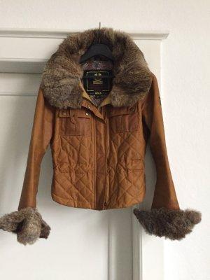 Eine Jacke mit Fell von Belstaff