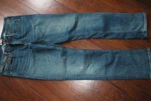 Eine Jeans von Hilfiger Denim