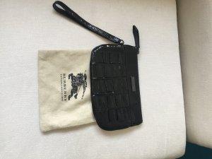 Eine kleine Tasche -Cluch oder auch Kosmetiktasche von Burberry