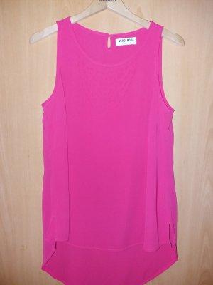 Eine Kurzarm Bluse in pink