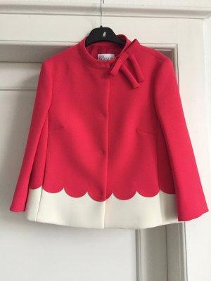 Eine kurze Jacke von Red Valentino