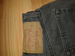 eine Levi's Jeans 501 in grau schicke auch trage Bilder