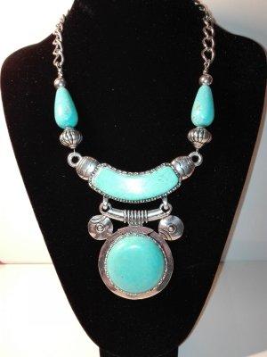 Eine moderne,orientalische Halskette,in Metall-Silber Optik,mit türkis steinen
