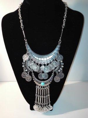 Eine moderne,wunderschöne Halskette,in Metall-Silber Optik,orientalisch.
