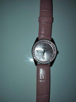 Eine schöne Armbanduhr s,Oliver aus Metall mit Leder Armband.