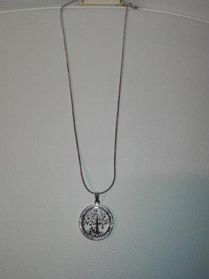 Eine schöne,Halskette,in Metall Optik,in Silber Farbe mit Lebensbaum- Anhänger