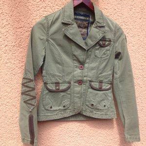 Eine schöne Jacke in Khaki