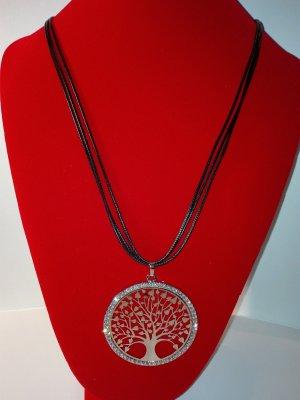 Eine schöne,moderne Halskette mit Lebensbaum Anhänger,in Metall-Silber Optik.