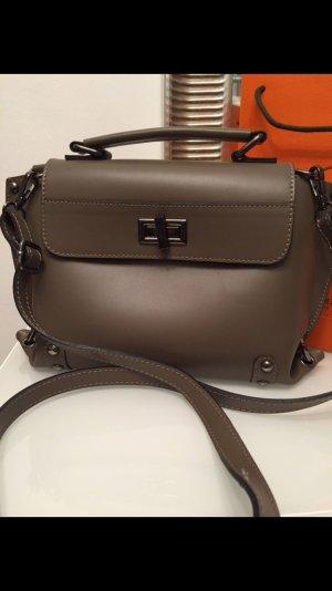 Eine sehr schöne Umhängetasche. Vera Pelé. Genuine Leather.