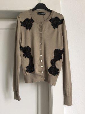 Eine Strickjacke von Dolce Gabbana