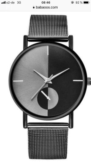 Eine Trenduhr in schwarz metallic passend zu jedem Anlass NEU