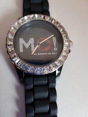 Eine Uhr von Morgan De Toli