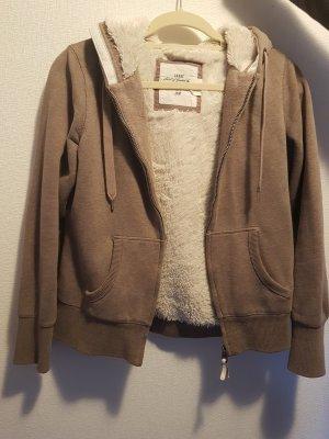 Eine warme Reißverschluss Jacke von H&M