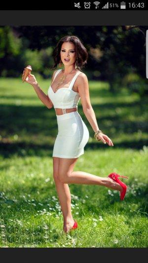 eine wunderschöne Cocktail Kleid