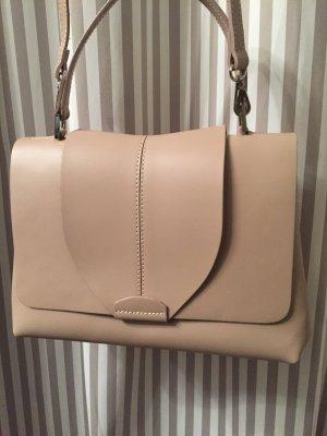 Eine wunderschöne italienische Tasche in Zartrosa. Neuwertig