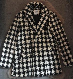 Einen wunderschönen Mantel von Vero Moda - wie NEU!!