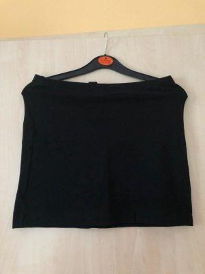 Einfacher schwarzer Schlauchrock
