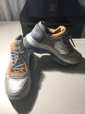Einmal getragene Plateau Sneaker