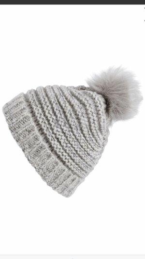 Einmal getragene schicke warme Mütze