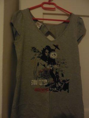 einmal getragenes Tshirt